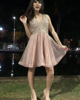 Vestido de festa curto, top todo bordado e saia de organza, para debutantes, formandas de 9º ano e convidadas.