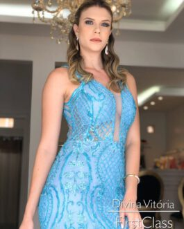 Vestido de festa longo, todo em renda com bordado, para mãe de noivo (a), formandas e madrinhas.