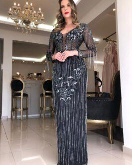 Vestido de festa longo, todo bordado com franjas e fenda nas costas, para madrinhas, mãe de noiva (o) e formandas.