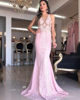 Vestido de festa longo, detalhe em renda com bordado, para madrinhas, mãe de noivo (a) e formandas.