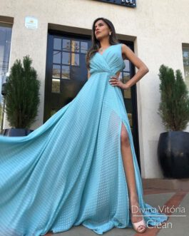 Vestido de festa longo, saia fluida com fenda, para convidadas e madrinhas.