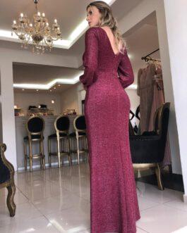 Vestido de festa longo, de lurex e manga longa, para madrinhas e convidadas.