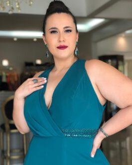 Vestido de festa longo, top transpassado e detalhe bordado na cintura, para madrinhas, formandas, mãe de noivo(a), convidadas