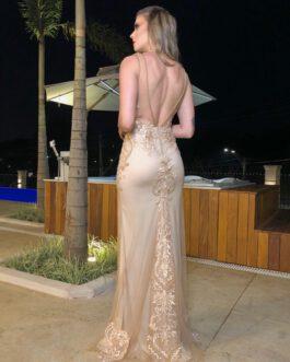 Vestido de festa longo, inteiro bordado, costas abertas, para formandas, madrinhas, mãe de noiva (o)
