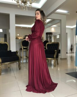Vestido de festa longo, manga longa, com fenda para madrinhas, formandas, mãe de noivo (a), convidadas