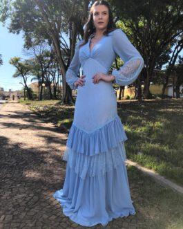 Vestido de festa longo com manga longa, renda e babados para madrinhas, mãe de noiva (o) e convidadas.
