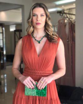 Vestido de festa longo, saia fluida com cinto de macramê, para madrinhas, formandas, mãe de noivo (a), convidadas.