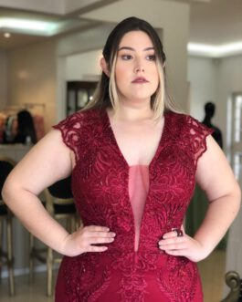 Vestido de festa longo, sereia inteiro de renda bordada, para madrinhas, mães de noivo (a) e formandas.